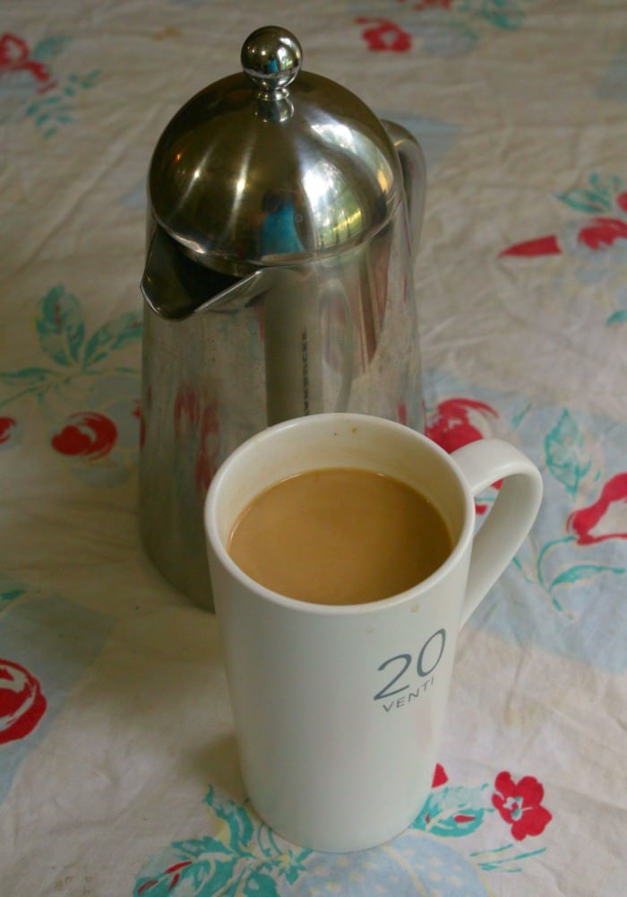 low carb caramel macchiato is easy and delicious|lowcarb-ology.com