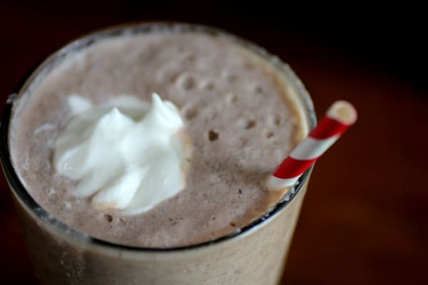 This easy low-carb shake recipe will be a favorite with its dark chocolate and raspberry flavor. from Lowcarb-ology.com