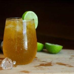 Easy, 0 carb Hawaiian Iced Tea cocktail is a blast of tropical flavor. So yummy! Lowcarb-ology.com